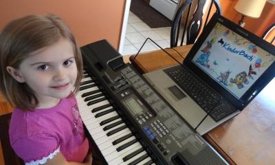 Trẻ bao nhiêu tuổi thì nên cho học đàn organ